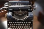 typewriter-465387_1920